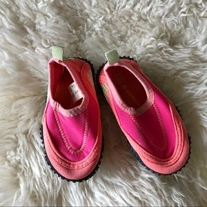 4/$20 pink Airwalk water shoes baby toddler size 5